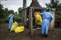 21-2018-Mangina-Beni-province-Nord-Kivu-agents-sante-brulent-dechets-medicaux-generesde-prise-charge-patients-atteints-virus-Ebola_0_729_486